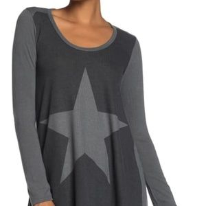 NWT Go Couture Handkerchief Tunic Sweater M Star